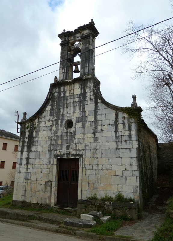 Fachada de la capilla del Cristo, Xedré, construida en 1795.