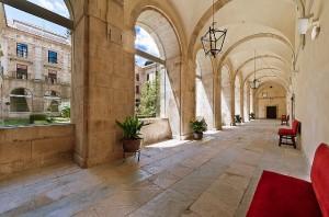 Uno de los claustros del monasterio de Corias