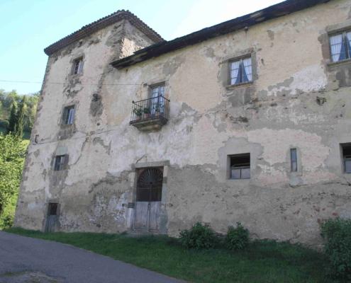 Ala norte (fachada principal) del palacio de Ardalí.